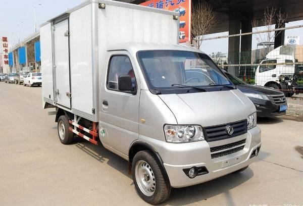 东风小霸王 3.3米箱式运输车图片