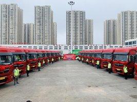重庆嘉峰中轮汽车销售有限公司20台TL79牵引车成功交付