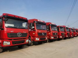 陕汽L3000 4×2载货6.8米整车 本月优惠多多