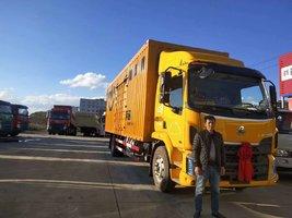 恭喜余老板喜提三辆乘龙M3 4*2载货车!