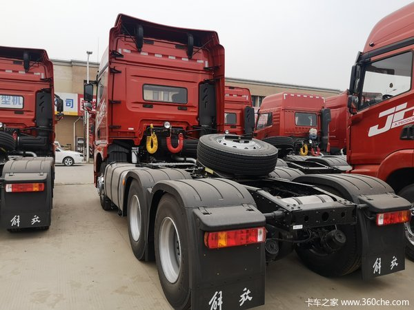解放JH6牵引车火热促销中 让利高达1万