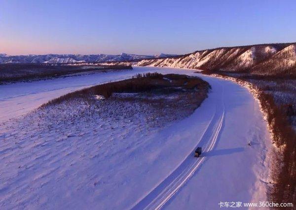 冰层上行车,极光下入眠,一个西伯利亚卡车司机的日常
