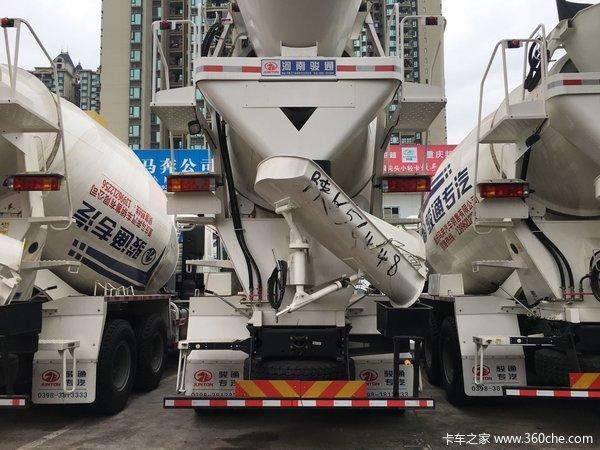 新车促销重庆德龙F3000搅拌车仅39.6万