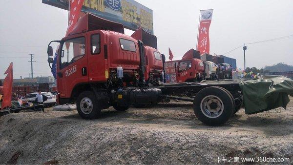 南充川东北汽贸中心虎V载货车交付客户