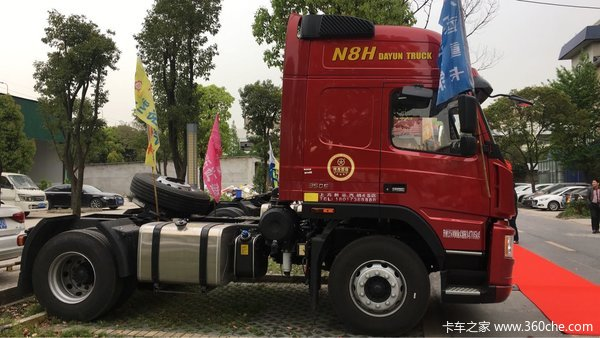 仅售23.9万上海大运4X2港口牵引促销
