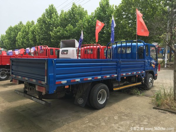 处理库存连云港J6F载货车直降1.0万元