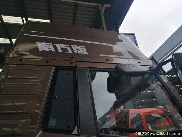 直降0.7万重庆龙VH载货车底盘促销中