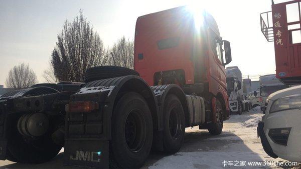 新车到店乌市威龙HV5牵引车仅售38.18万