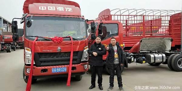 共交车2台广元勇成悍将载货车成功交付