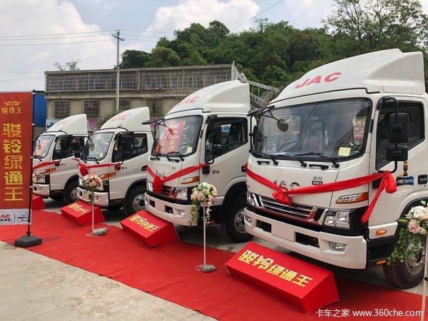 订单28台骏铃V8绿通王贵阳市场受热捧