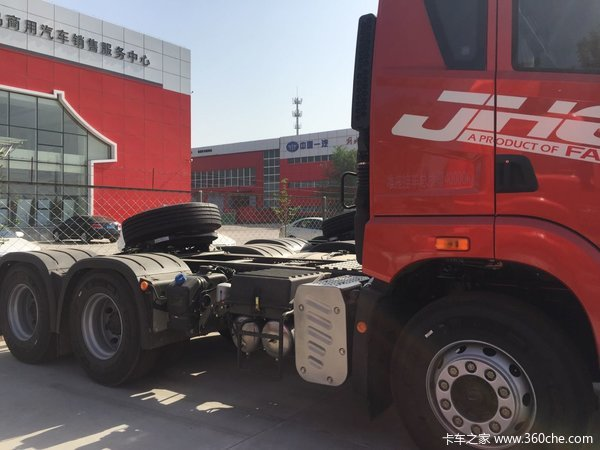 直降0.9万元滨州解放JH6牵引车促销中