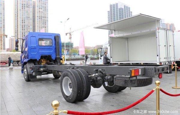 回馈用户深圳新乘龙M3载货车钜惠16.5万