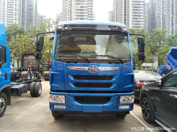 新车促销深圳龙V载货车现售15.6万元