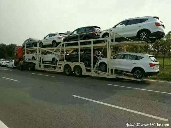 车辆运输半挂车图片
