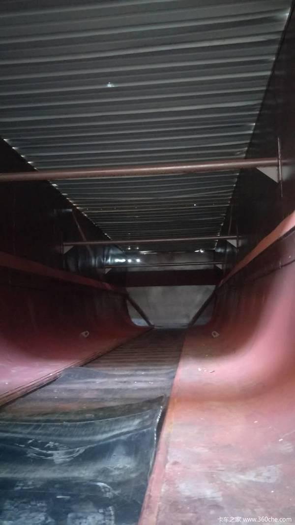 输送带式自卸半挂车自卸半挂车图片