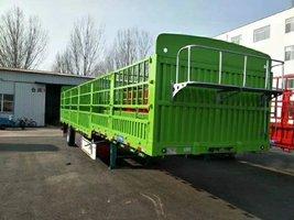 苍蓝车,自重5.8吨,承载普货55吨仓栅式半挂车