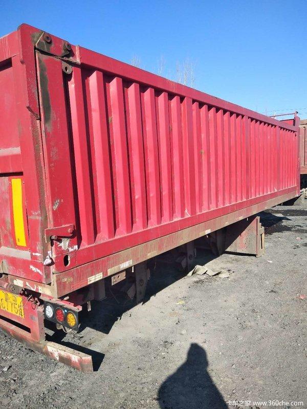 一年九米后翻自卸车自卸半挂车图片