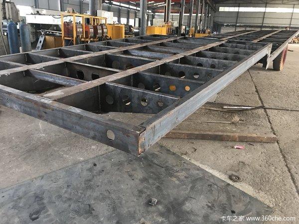 低平板半挂车13米75长宽3米低平板半挂车图片