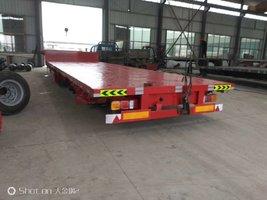 轻量化低平板半挂车13米75低平板3米等宽车型自重6吨低平板半挂车