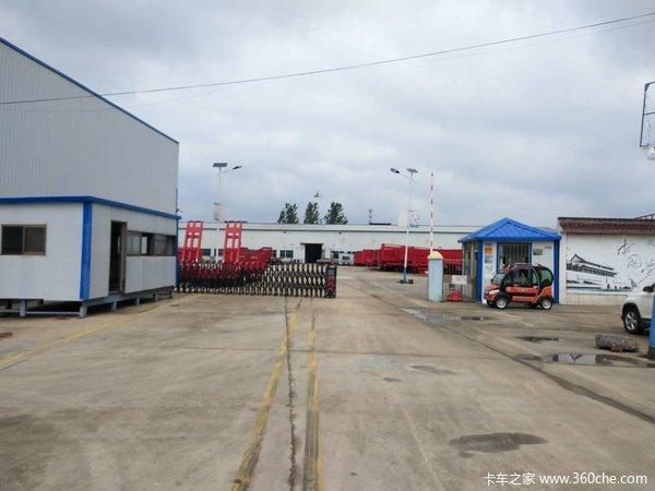 勾机板整车上海宝钢制做,结构合理!价格美丽!质量可靠车辆运输半挂车图片