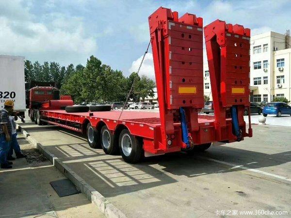 厂家直销13米-10.5米工程板,拉370,360购机,等特殊大件运输低平板半挂车图片
