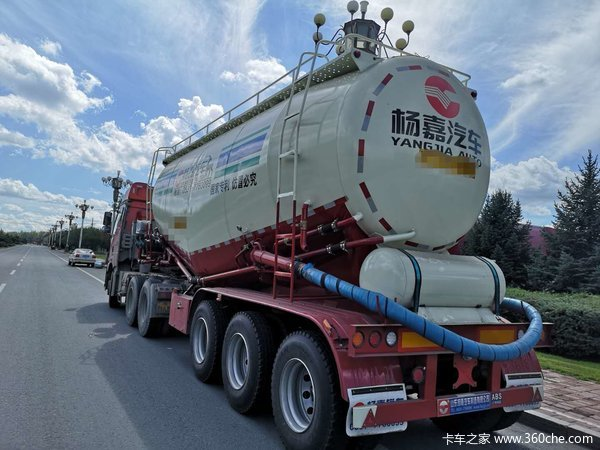 下灰罐车,可全国免附加费粉粒物料运输半挂车图片