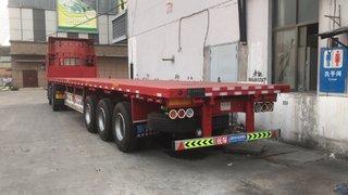 13米平板半挂车拉木材专用设计平板式半挂车