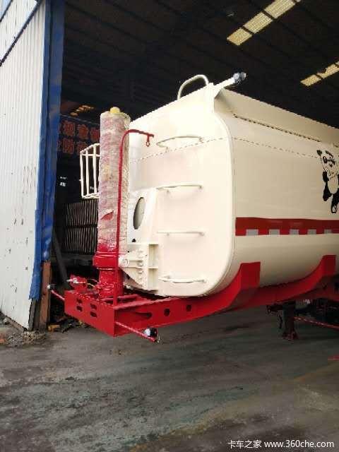 罐式后翻,可上户长度8.5米.9米,9.5米,粉粒物料运输半挂车图片