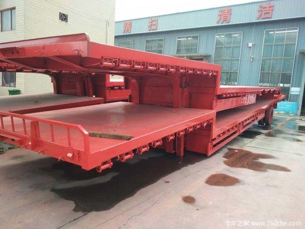 13.75×3米低平板挂车以及苍栏和标箱。低平板半挂车图片