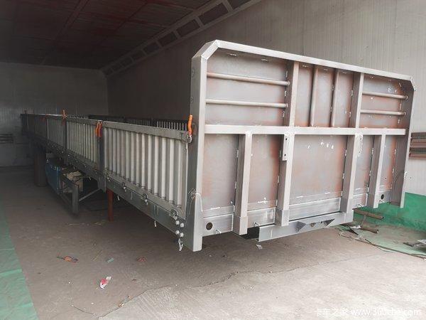 国内最轻侧翻!13米标箱侧翻!整车自重6.2吨自卸半挂车图片