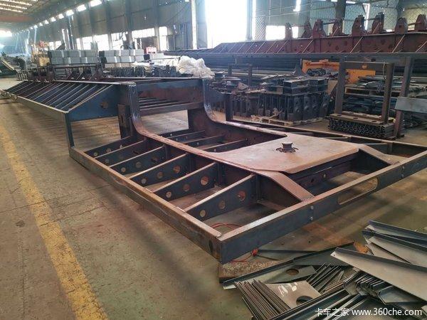 东旭挂车13米75低平板3米等宽自重轻多拉货低平板半挂车图片