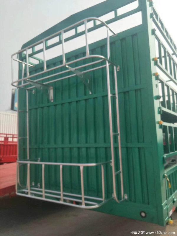拉牛,拉羊专用高篮,可以举升两层仓栅式半挂车图片