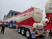 梁山神骏恩信散装水泥罐车产品特点:1.罐车轻量化粉粒物料运输半挂车图片
