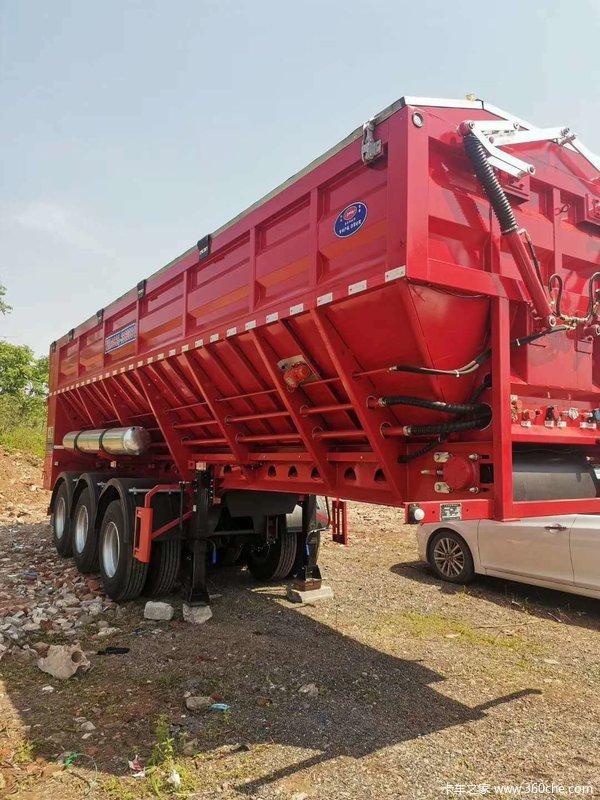 智能输送带卸货车自卸半挂车图片