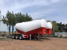 粉罐领导者,35方自重5.4吨,现车三万提车粉粒物料运输半挂车