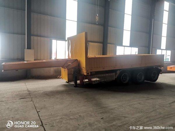骨架式隐藏式油顶自卸半挂车,20英尺国际集装箱专用自卸车型,全国可上户自卸半挂车图片